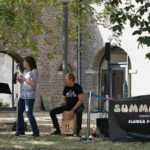 """Die Band """"Summer of Love"""" bei einem Auftritt bei Schloss Paffendorf"""